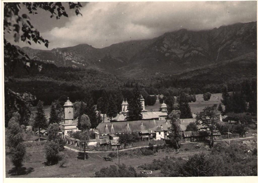 Manastirea Cheia - privire de sus